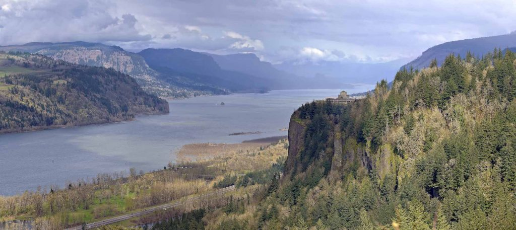 columbia river portland oregon